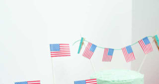us-flag-dessert-toppers