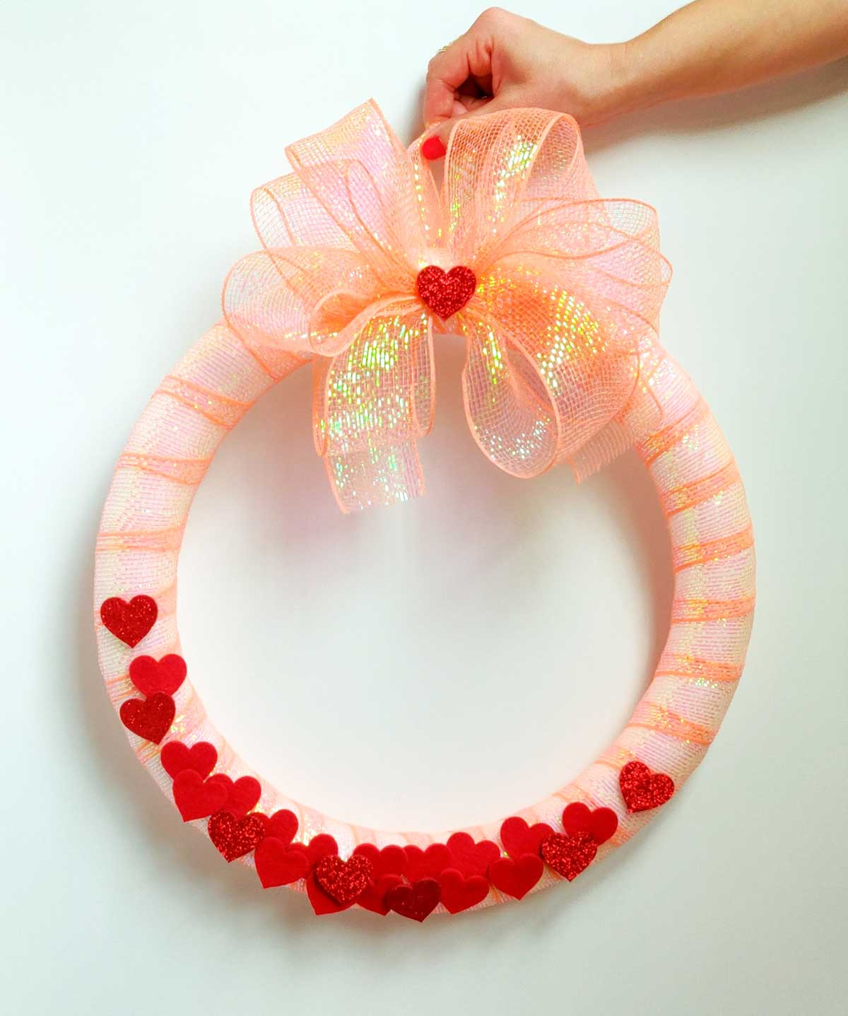 Artfuldays valentine confetti wreath diy