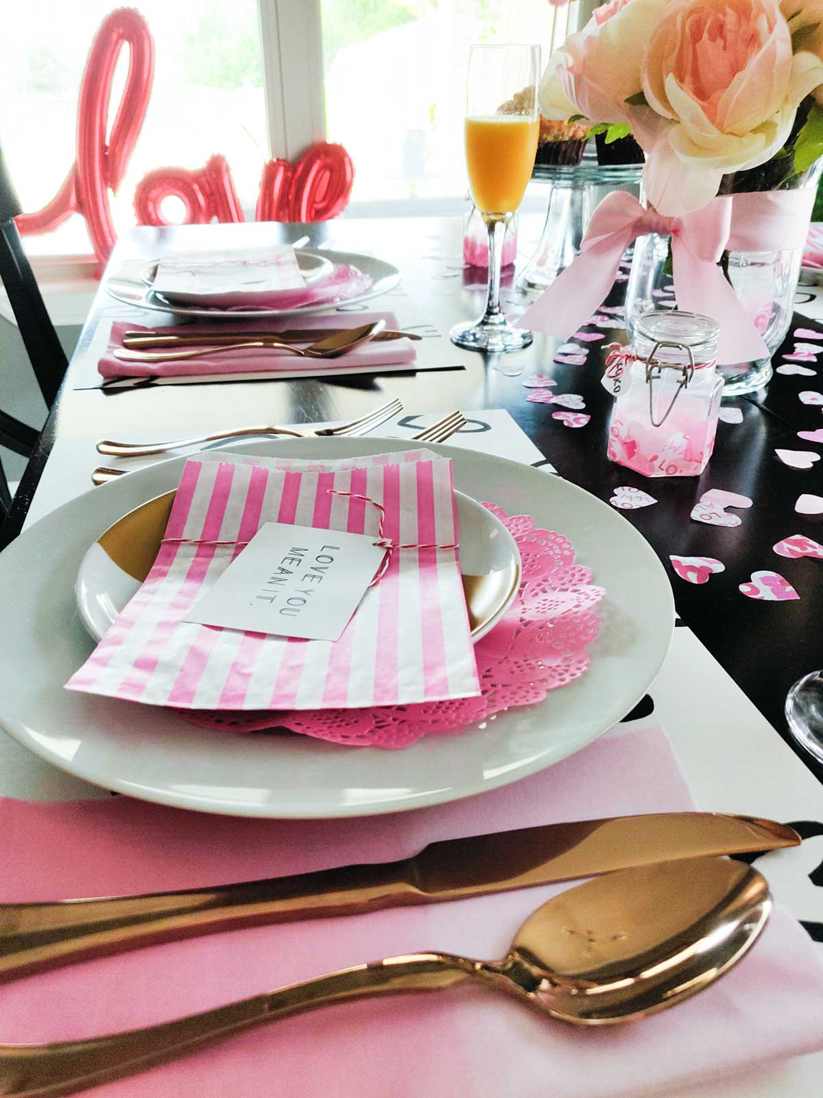Artfuldays valentine theme tablescape