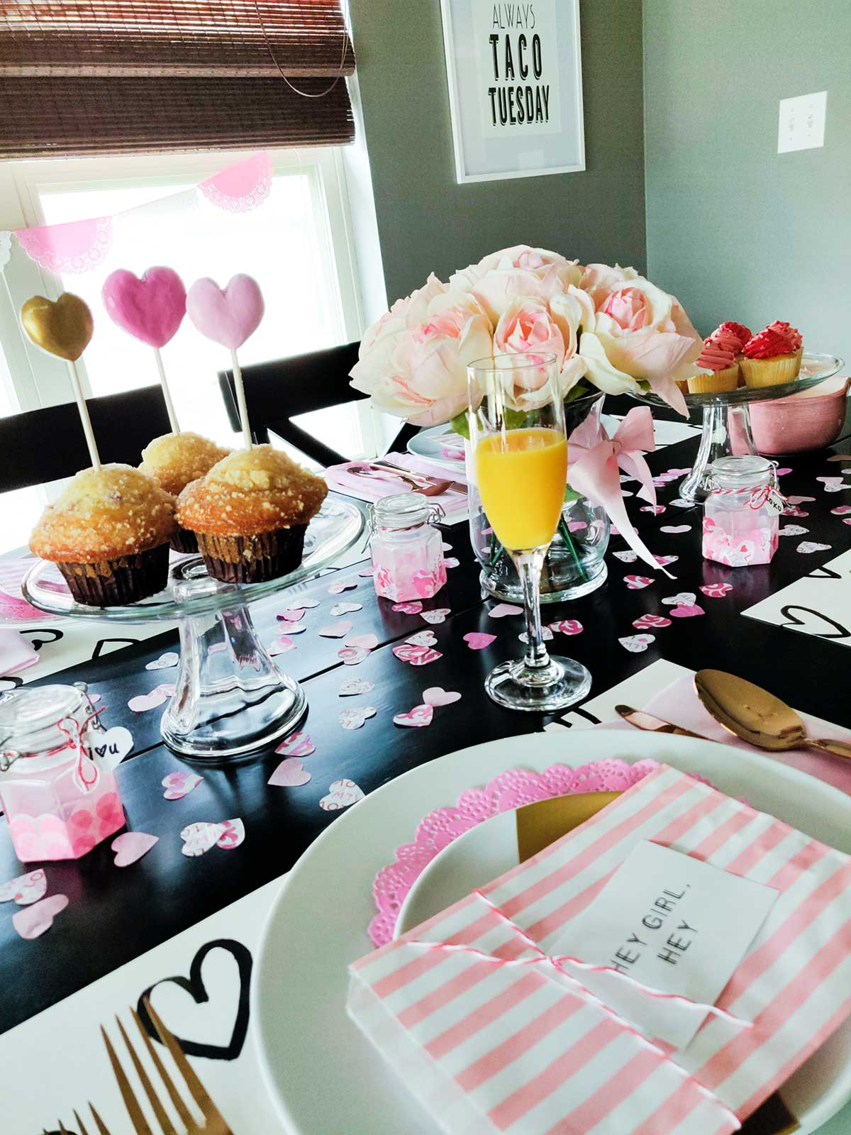 Artfuldays valentines day tablescape ideas