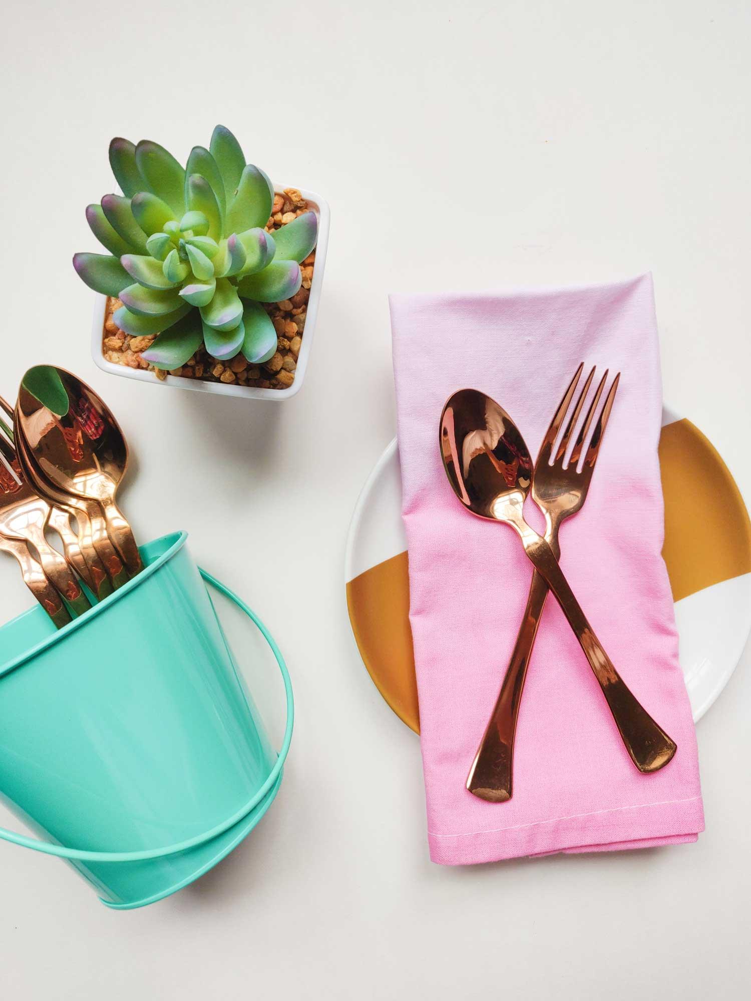 Ombre dyed napkin tutorial artfuldays